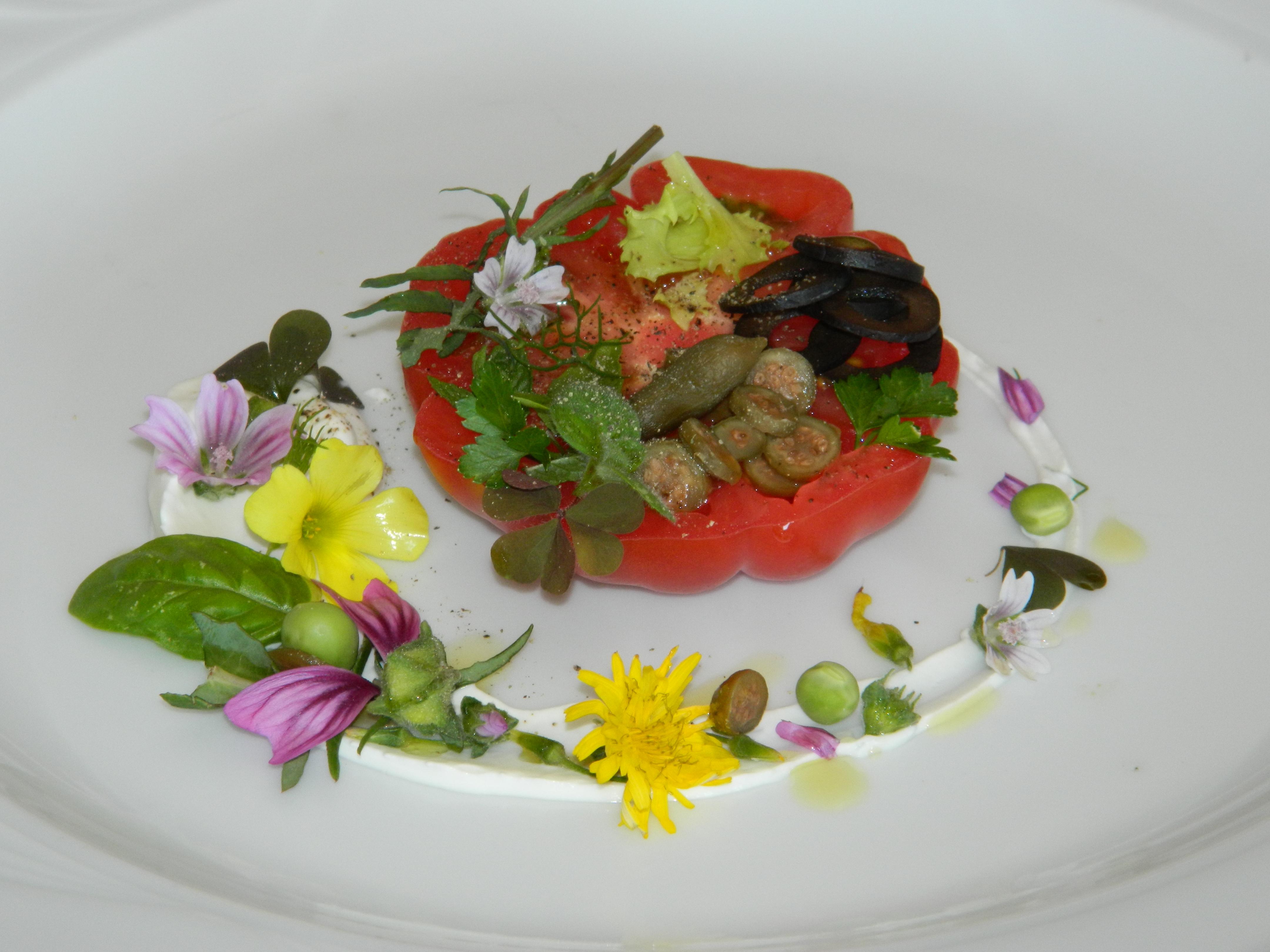 Pomodoro Pachino,crema di burrata,sapori e colori mediterranei