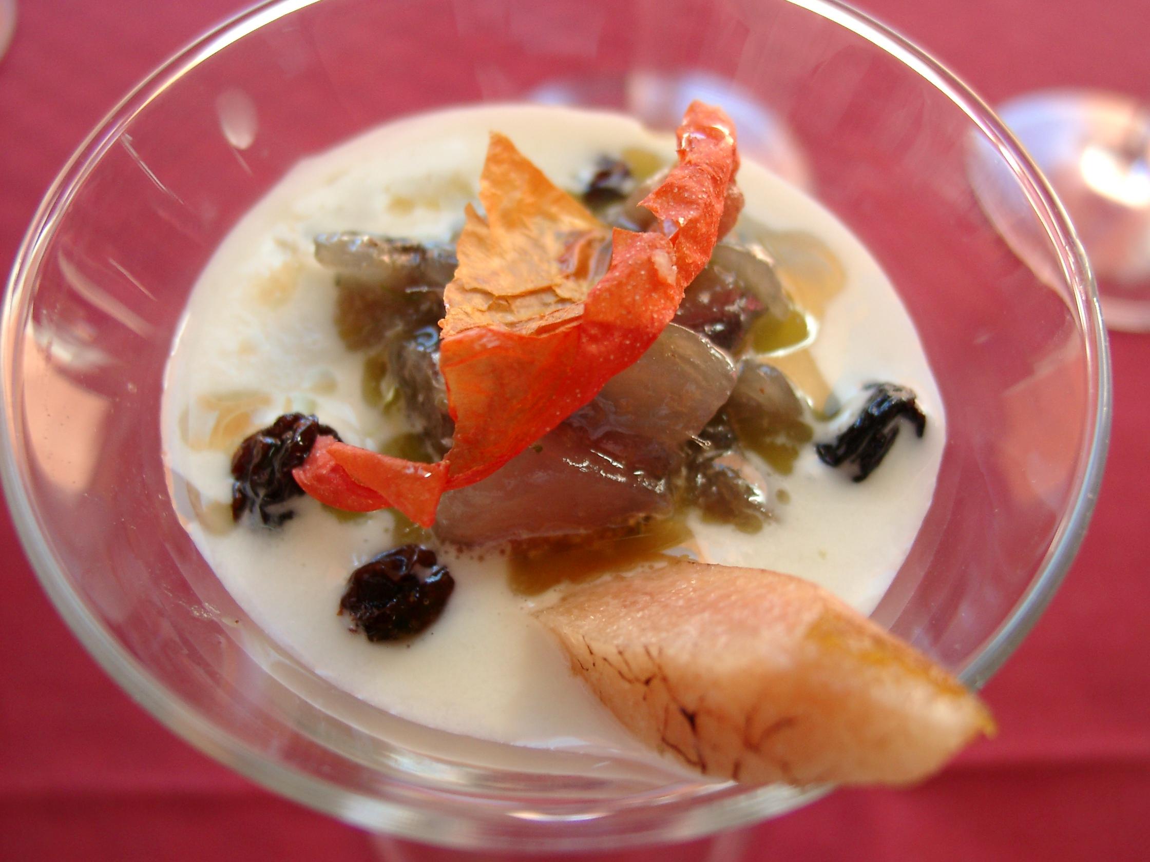 Tartare di branzino,crema di vastedda del belice e olive