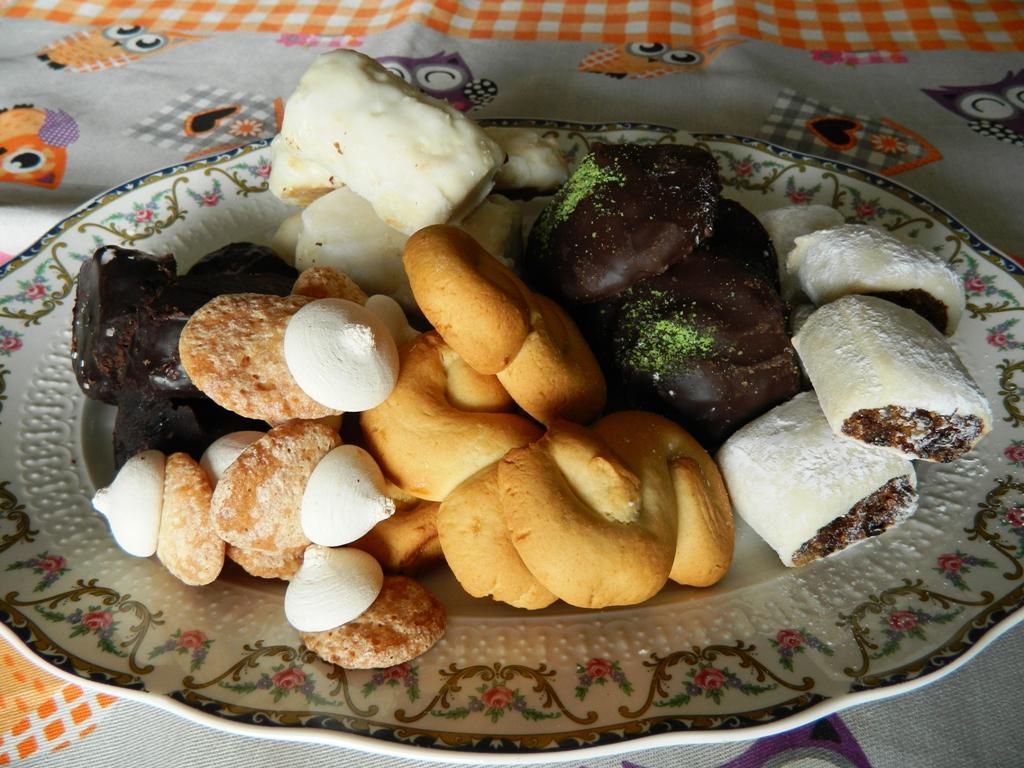 Biscotti della  tradizione siciliana per la commemorazione dei defunti.