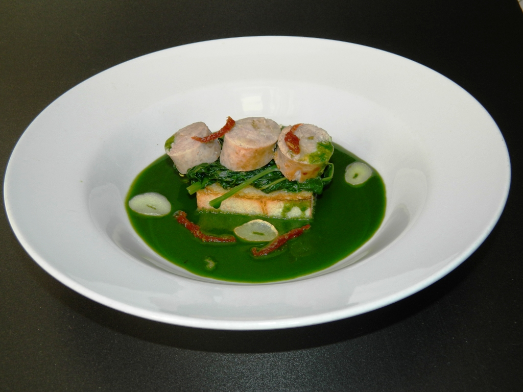 Salsiccia  con sinapa selvatica,pomodoro secco e aglio confit